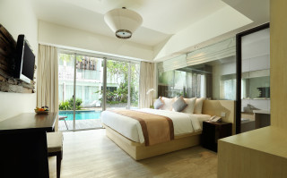 Pool Access Grand Deluxe Room