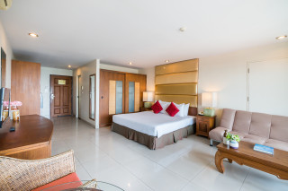 PET FRIENDLY Deluxe Standard Room- Room Only