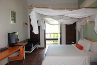 HARRIS Cabana Room